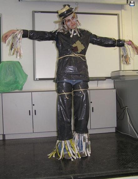 Disfraz De Espantapájaros Con Bolsas De Basura Manualidades Infantiles