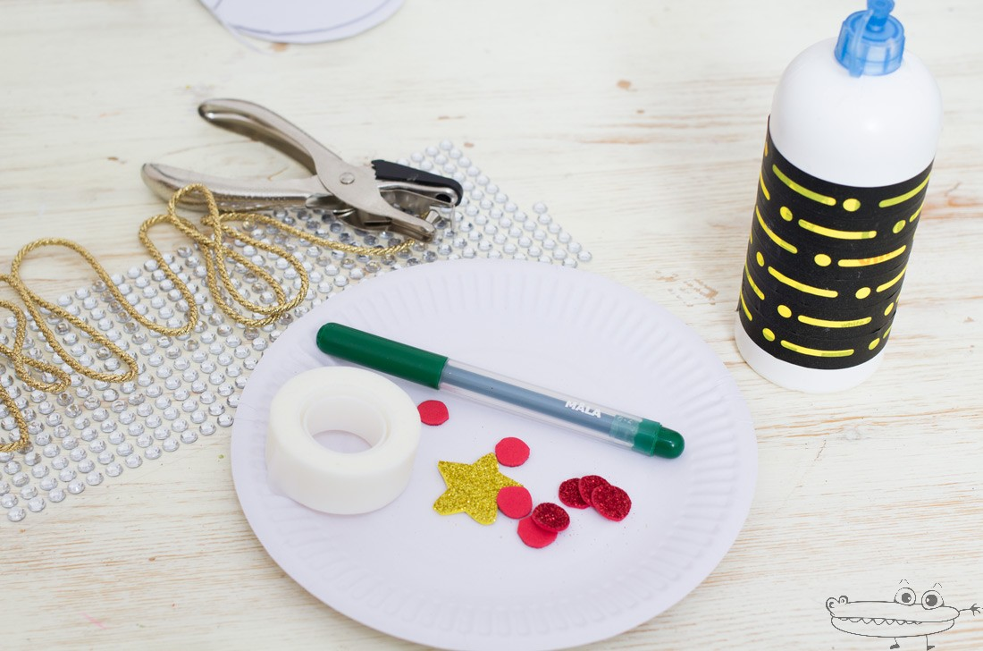Arbol con platos materiales